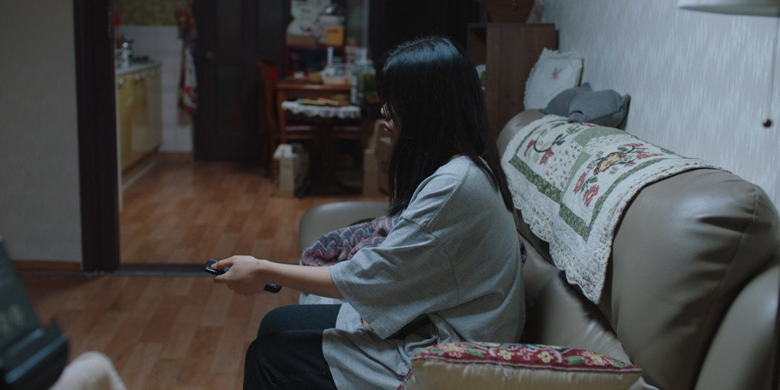 THE APARTMENT WITH TWO WOMEN Wins a Record 5 Awards in Busan, Including a New Currents Award