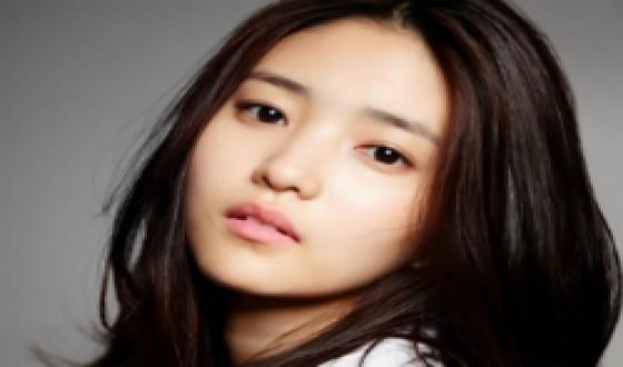 KIM Min-hee and KIM Tae-ri Confirmed for FINGERSMITH