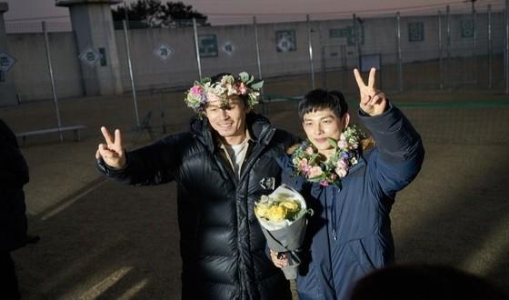 SUL Kyung-gu & IM Si-wan Wrap HOODLUM