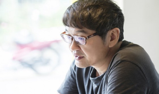 HUR Jin-ho Reads Up on Assassination Thriller THE DESIGNERS