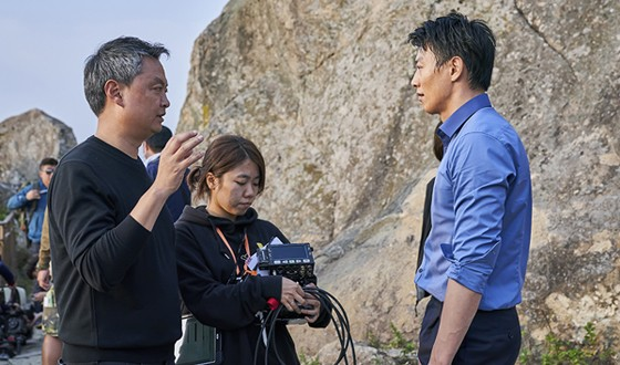 THE OUTLAWS Directors Returns to LONG LIVE THE KING in June