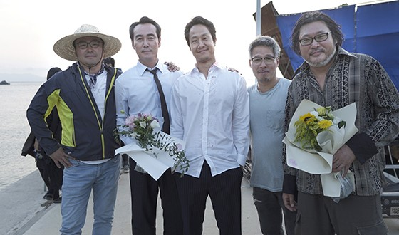 HOT BLOOD with JUNG Woo Cool Downs after 4-Month Shoot